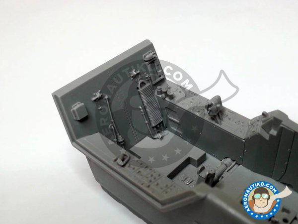 Image 2: F/A-18C Hornet cockpit set | Cockpit set in 1/32 scale manufactured by Aires (ref. AIRES-2035)
