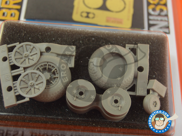 Image 3: Curtiss P-40 Warhawk | Wheels in 1/32 scale manufactured by Eduard (ref. 632080)