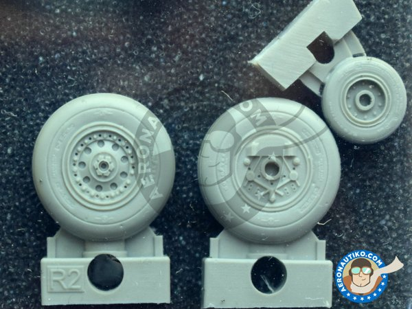 Image 1: F-4J/S Wheels | Wheels in 1/48 scale manufactured by Eduard (ref. 648015)