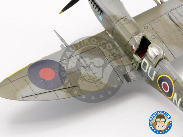 Image 10: Supermarine Spitfire Mk. IXc late | Airplane kit in 1/72 scale manufactured by Eduard (ref. 70121)