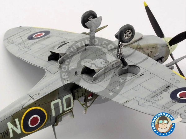 Image 11: Supermarine Spitfire Mk. IXc late | Airplane kit in 1/72 scale manufactured by Eduard (ref. 70121)