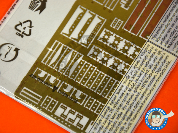 Image 4: Handley Page Halifax B Mk. III | Photo-etched parts in 1/72 scale manufactured by Eduard (ref.72625)