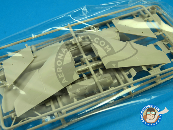 Image 2: Ling-Temco-Vought A-7 Corsair II A | Airplane kit in 1/72 scale manufactured by Fujimi (ref. FJ72209)