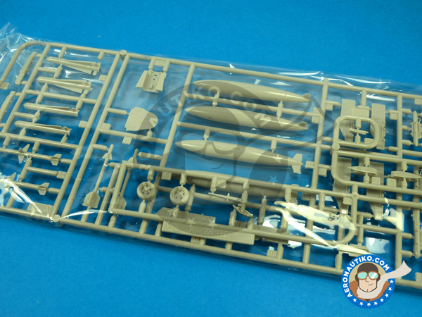 Image 4: Ling-Temco-Vought A-7 Corsair II A | Airplane kit in 1/72 scale manufactured by Fujimi (ref. FJ72209)
