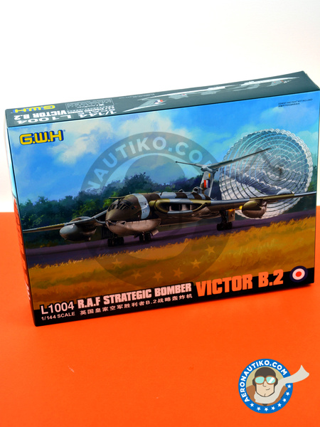 Handley Page Victor B.2 | Airplane kit in 1/144 scale manufactured by Great Wall Hobby (ref. L1004) image