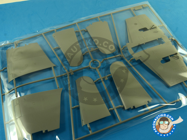 Image 12: Douglas TBD Devastator 1 VT-8 | Airplane kit in 1/48 scale manufactured by Great Wall Hobby (ref. L4807)