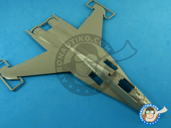 Image 1: Mikoyan MiG-29 Fulcrum 9-12 Late type | Airplane kit in 1/48 scale manufactured by Great Wall Hobby (ref. L4811)
