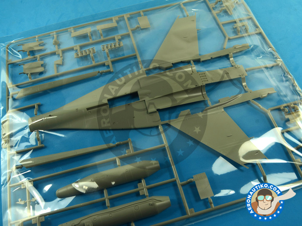 Image 15: Mikoyan MiG-29 Fulcrum 9-12 Late type | Airplane kit in 1/48 scale manufactured by Great Wall Hobby (ref. L4811)