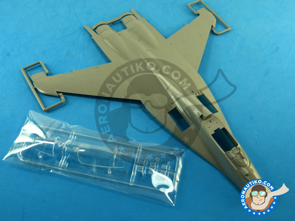 Image 1: Mikoyan MiG-29 Fulcrum 9-12 Late type | Airplane kit in 1/48 scale manufactured by Great Wall Hobby (ref. S4801)