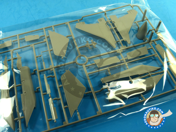 Image 13: Mikoyan MiG-29 Fulcrum 9-12 Late type | Airplane kit in 1/48 scale manufactured by Great Wall Hobby (ref. S4801)