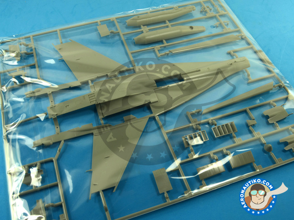Image 15: Mikoyan MiG-29 Fulcrum 9-12 Late type | Airplane kit in 1/48 scale manufactured by Great Wall Hobby (ref. S4801)