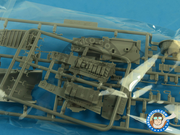 Image 4: McDonnell Douglas F-15 Eagle C MSIP II | Airplane kit in 1/48 scale manufactured by Great Wall Hobby (ref.S4804)