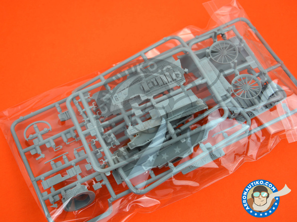Image 3: McDonnell Douglas F-15 Eagle C | Airplane kit in 1/48 scale manufactured by Great Wall Hobby (ref. S4806)