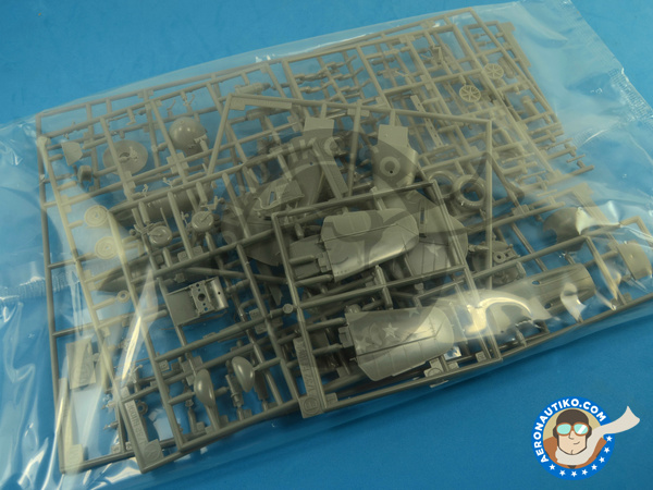 Image 3: Messerschmitt Bf 109 G-2   Airplane kit in 1/32 scale manufactured by Hasegawa (ref.08230)