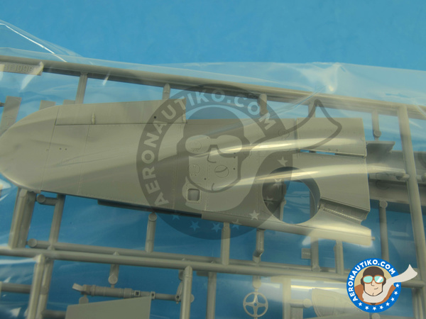 Image 5: Messerschmitt Bf 109 G-2   Airplane kit in 1/32 scale manufactured by Hasegawa (ref.08230)