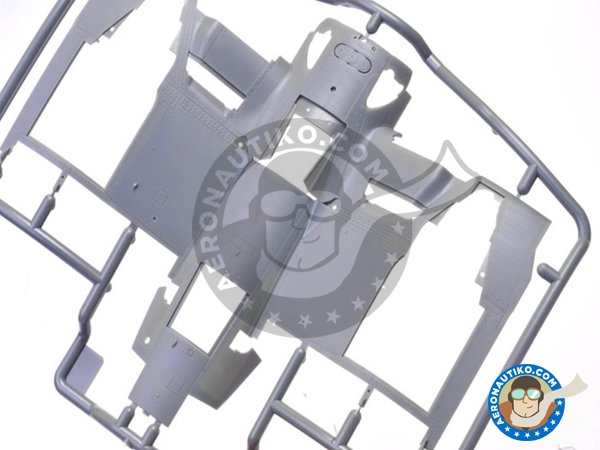 Image 3: Vought F4U-1D Corsair | Airplane kit in 1/32 scale manufactured by Tamiya (ref.60327)