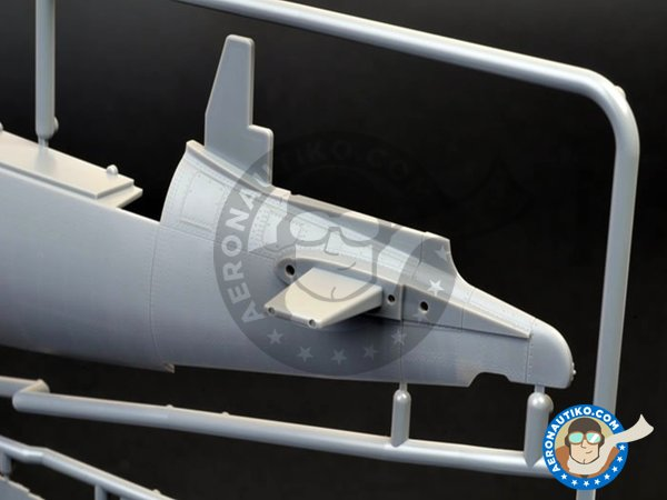 Image 12: Vought F4U-1D Corsair | Airplane kit in 1/32 scale manufactured by Tamiya (ref.60327)