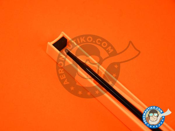 Image 3: Model chisel 2mm wide | Scriber manufactured by Trumpeter (ref.09924)