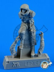Aerobonus: Figure 1/48 scale - U.S.A.F. fighter Pilot Pressure suit 1960 - 1975 - resin parts and assembly instructions - for all kits
