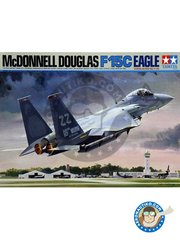 Tamiya: Airplane kit 1/32 scale - McDonnell Douglas F-15C Eagle - Kadena Base (US2); Alaska (US2) - USAF - plastic parts, rubber parts, water slide decals, white metal parts and assembly instructions