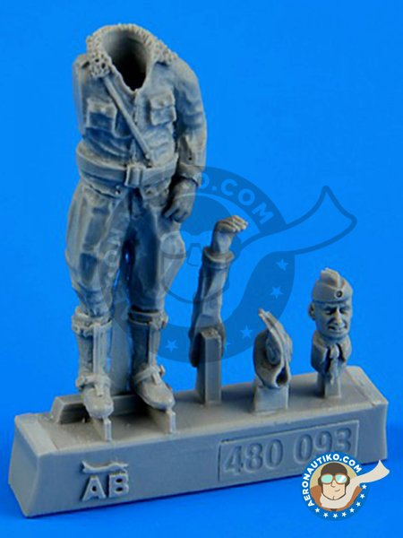 German Luftwaffe Pilot WWII | Figure in 1/48 scale manufactured by Aerobonus (ref. 480093) image