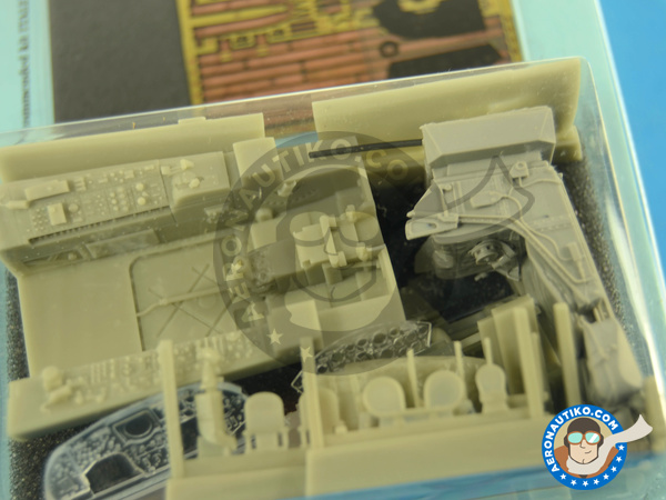 Image 3: Lockheed F-104 Starfighter G / S | Cockpit set in 1/32 scale manufactured by Aires (ref. AIRES-2197)