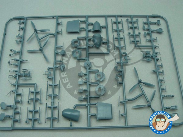 Image 2: B-24 Liberator Riders in the Sky 1945 | Airplane kit in 1/72 scale manufactured by Eduard (ref. 2123)