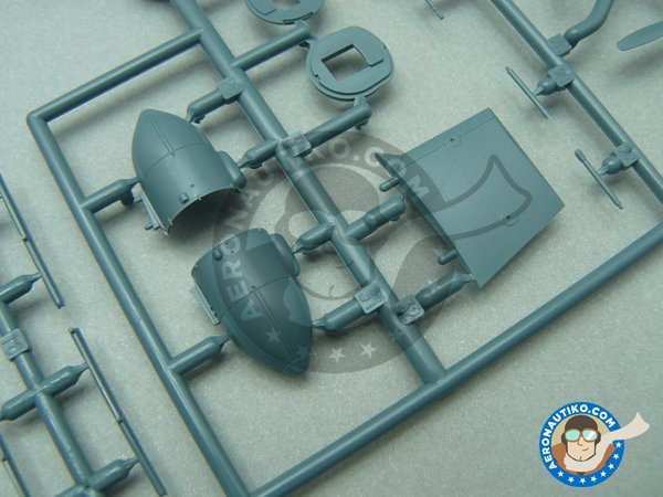Image 4: B-24 Liberator Riders in the Sky 1945 | Airplane kit in 1/72 scale manufactured by Eduard (ref. 2123)
