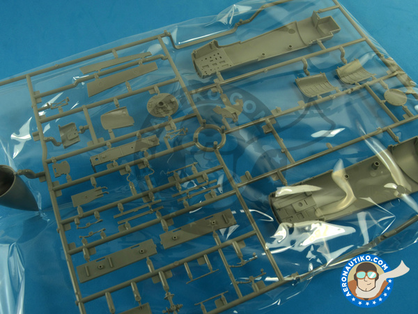Image 14: McDonnell Douglas F-15 Eagle C MSIP II | Airplane kit in 1/48 scale manufactured by Great Wall Hobby (ref. S4804)