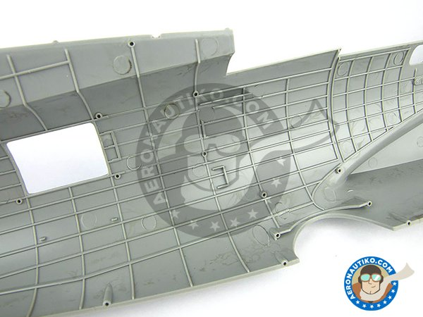 Image 3: B-17 E/F Flying Fortress | Airplane kit in 1/32 scale manufactured by HK Models (ref. 01E05)