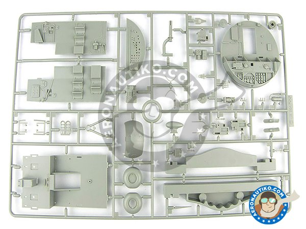 Image 11: B-17 E/F Flying Fortress | Airplane kit in 1/32 scale manufactured by HK Models (ref. 01E05)