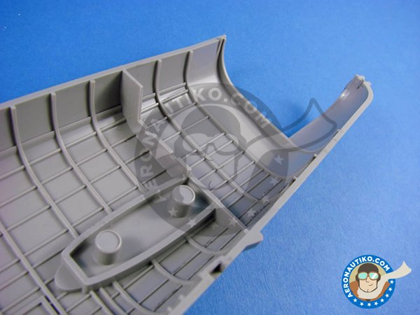 Image 6: Avro Lancaster B.Mk.I | Airplane kit in 1/32 scale manufactured by HK Models (ref. 01E10)