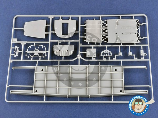 Image 2: B-24J Liberator | Airplane kit in 1/32 scale manufactured by Hobby Boss (ref. 83211)