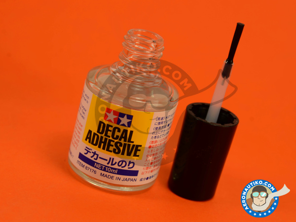 Image 1: Decal Adhesive - 10ml | Decal products manufactured by Tamiya (ref. TAM87176)