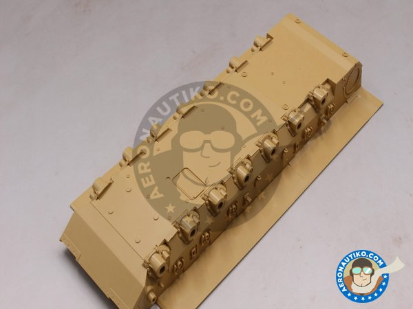 Image 2: LEOPARD II REVOLUTION I | Tank kit in 1/35 scale manufactured by Tiger Model (ref. 4629)