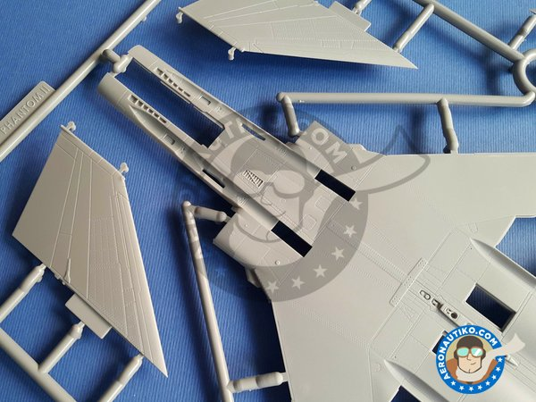 Image 4: F-4D Phantom II Super Wings Series No.7 | Airplane kit in 1/48 scale manufactured by Zoukei-Mura (ref. SWS48-07)