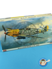 Hasegawa: Airplane kit 1/48 scale - Messerschmitt Bf 109 E-4/7/B Jabo - (DE2) - Luftwaffe 1941 and 1942 - photo-etched parts, plastic parts, water slide decals and assembly instructions image