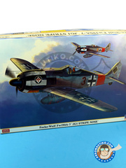 Hasegawa: Airplane kit 1/32 scale - Focke-Wulf Fw 190 Würger A-7 JG1 1944 - plastic model kit image