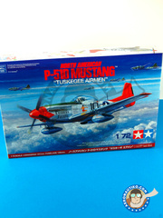 Tamiya: Airplane kit 1/72 scale - North American P-51D Mustang -  (US7) - plastic parts, water slide decals and assembly instructions