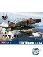 Zoukei-Mura: Airplane kit 1/48 scale - F-4D Phantom II Super Wings Series No.7 - Thailand 1972 (US0); Thailand 1971 (US0) - plastic parts, water slide decals and assembly instructions